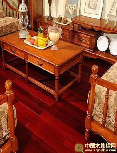 红檀木家具的卧室和书房装修图