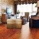 安信亚花梨实木地板:光泽自然 纹理开阔大气