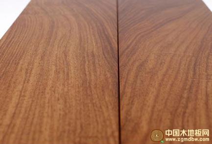木地板表面光亮面以哑光主