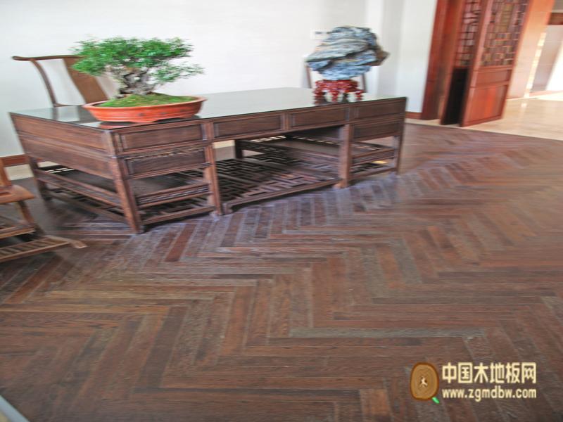 富得利地板-欧洲橡木人字拼花-中国木地板网