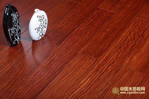 冬日暖阳-热芯红檀香-中国木地板网