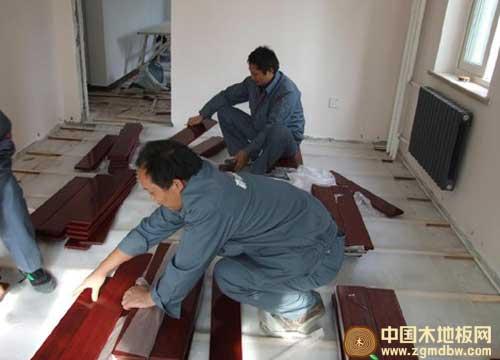 实木地板安装有新方法