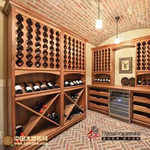 客厅放欧式酒柜
